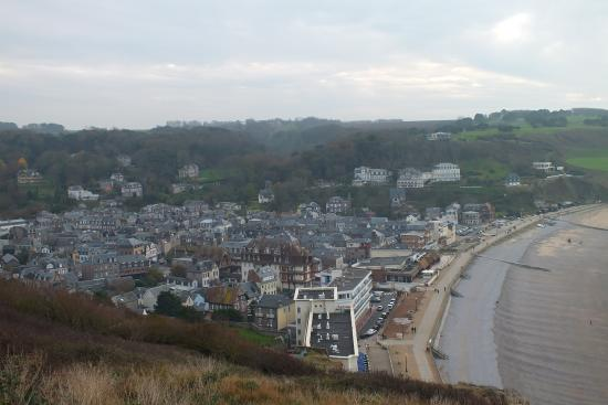 La ville vue d 39 en haut photo de falaise d 39 etretat for Piscine falaise