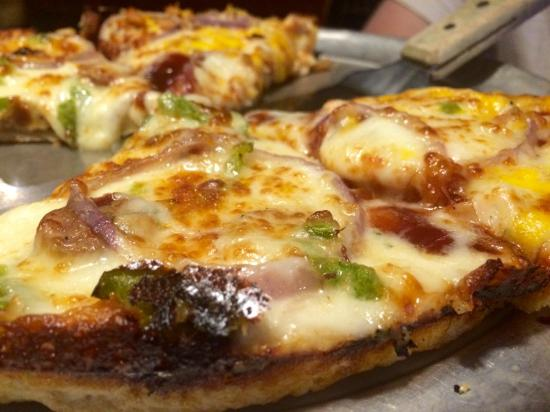 Mother Bear's Pizza: Half Monet and Half Dixie