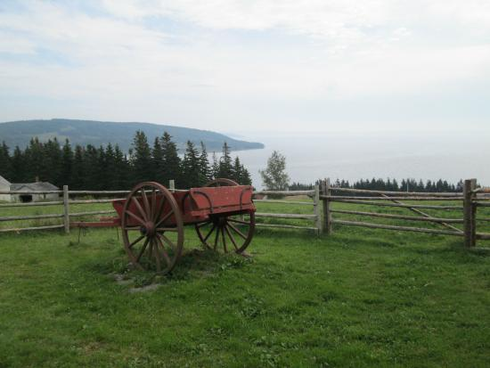 Highland Village : Hay Wagon and View