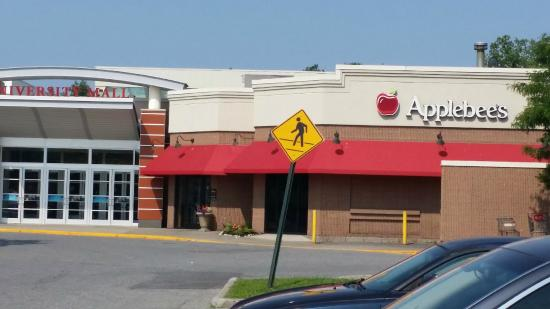 Applebees Neighborhood Grill and Bar