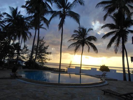 Palm Beach Inn: sun rise