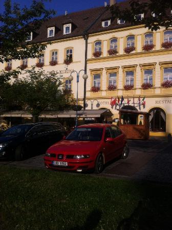 Hotel Ceska Koruna: Square view