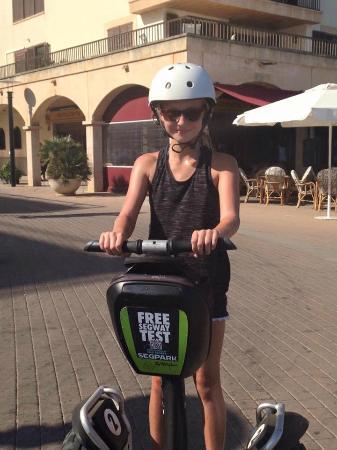 Segpark Cala Ratjada: Unsere Tochter bei ihrer ersten Segway-Tour