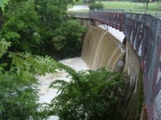 Wintersmith Park: The Dam