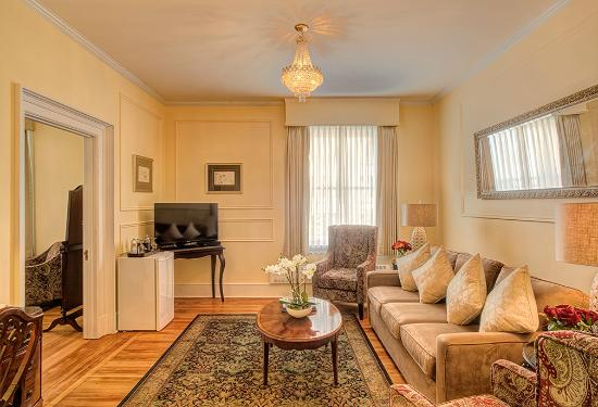 Union Club British Columbia : Sitting Room