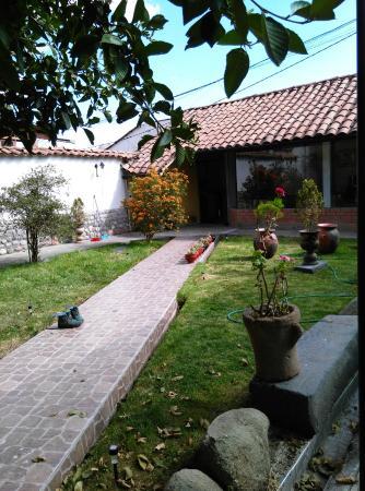 Hostal Goya Andina : Courtyard