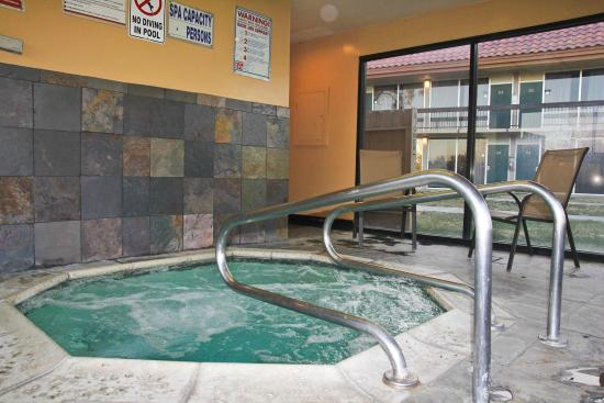 Green Tree Inn & Extended Stay Suites: Fixing the Spa, But awesome