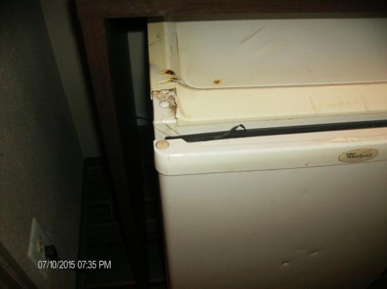 Super 8 Denver Stapleton: fridge