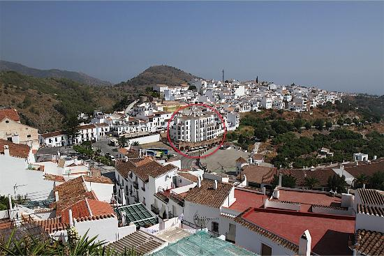 Hotel Villa Frigiliana: View of the town