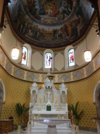St. John's Catholic Church: The Altar