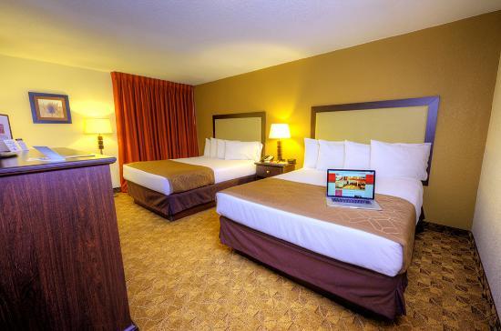 Village Inn Event Center Double Guest Room