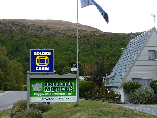 Arrowtown Viking Lodge Motel : signage