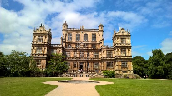 ‪Wollaton Hall and Park‬