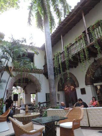 El Marques Hotel Boutique : patio