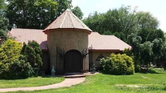 East Stroudsburg, PA: Frazetta Art Museum