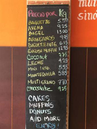 La Ceiba Bakery: Lots of choices - prices are per kilo