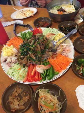 Westborough Korean Restaurant: Great dish to share.