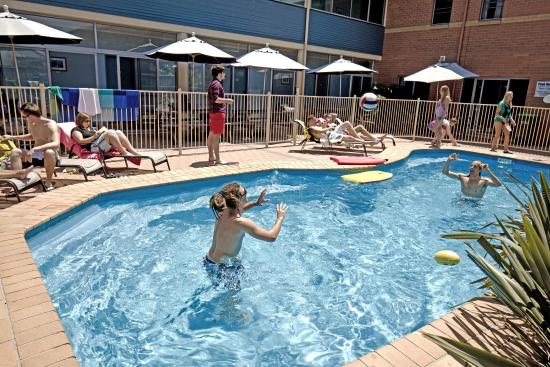 Coffs Harbour YHA: Swimming pool