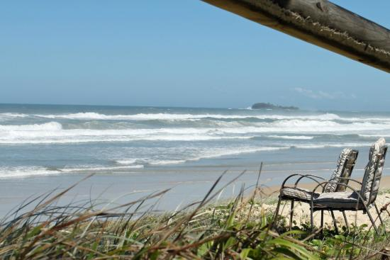 Pacific Palms Motor Inn: Beach