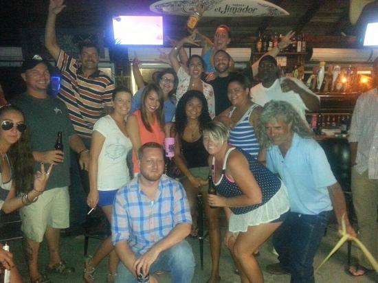 Hammerhead Beach Bar: photo0.jpg