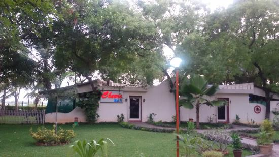 MGM Hi-Way Resort, Ranipet: Cheers Bar