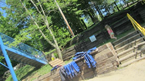 Jellystone Park at Dogwood Valley : plenty of life jackets everywhere