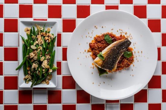 Cavalier Bar & Italian: line caught fish and green beans