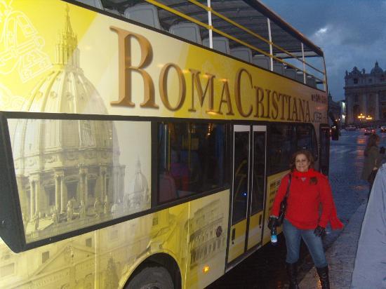 Roma Cristiana Hop On Hop Off Bus : ônibus de turismo em Roma, Itália.