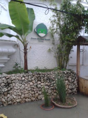 Green Monkey Resort: Floods in the Green Monkey's street