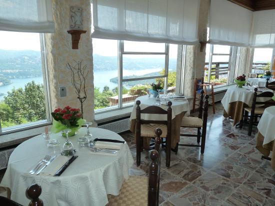 Hotel Panoramico: Sala con vista lago
