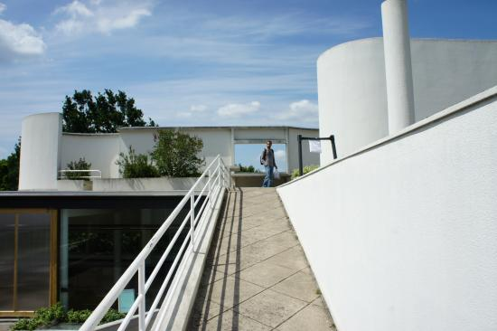 la ville savoye picture of villa savoye poissy tripadvisor. Black Bedroom Furniture Sets. Home Design Ideas