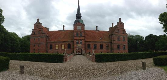 Rosenholm Slot: Rosenholm - 25 Jun - P1