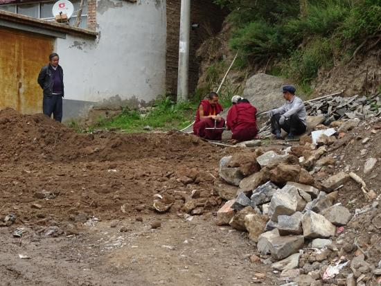 Huzhu County, China: Monks doing the renovations