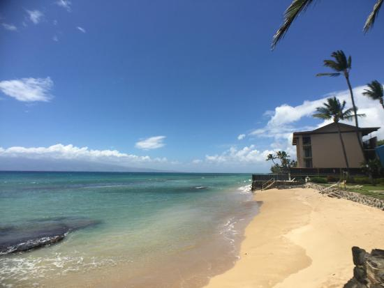 Hale Kai Oceanfront Condominiums: Private Beach