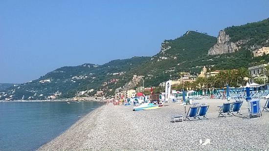 bagni Nettuno - Picture of Varigotti Beach, Varigotti - TripAdvisor