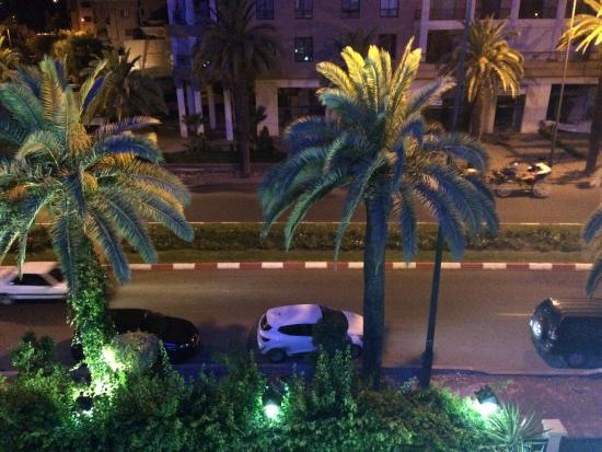 Hotel Akabar: View from the third floor of the road outside.