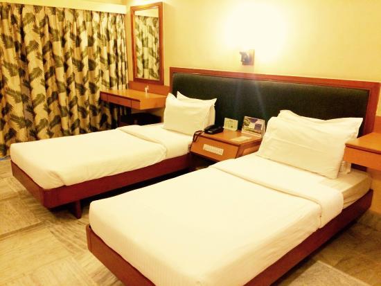 Miraculous Oyo Townhouse 074 Nampally Hyderabad Hotel Reviews Beatyapartments Chair Design Images Beatyapartmentscom