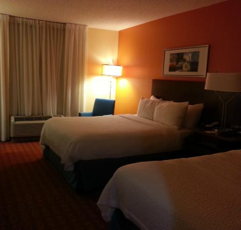 Fairfield Inn & Suites Austin South: A view of the room