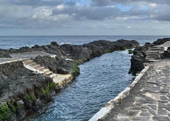 Piscinas naturales el caleton garachico all you need for Piscina natural tenerife