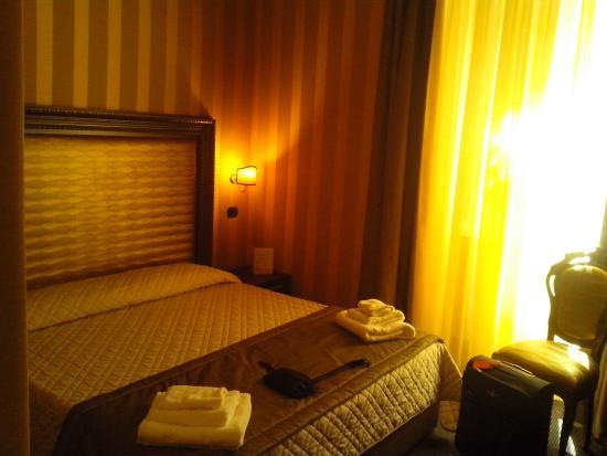 Domus romantica roma italia opiniones comparaci n de for Domus henrici boutique hotel tripadvisor