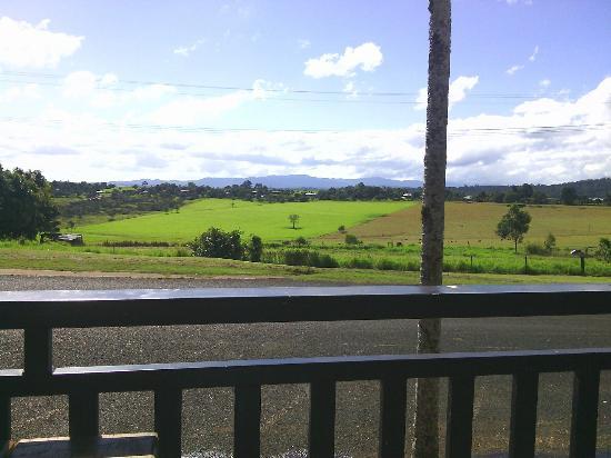 Peeramon Pub veranda view