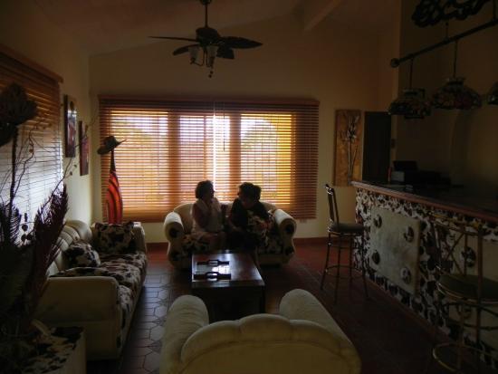 Hostal Casa Amarilla: Con la dueña del Hostal