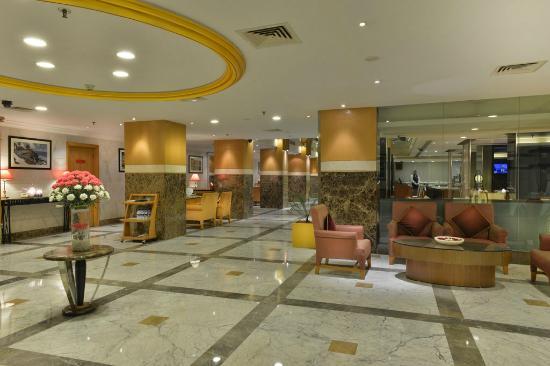 Gateway Hotel at Akota Gardens Vadodara: Lobby