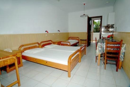 Golden Sun Apartments : Δωμάτιο