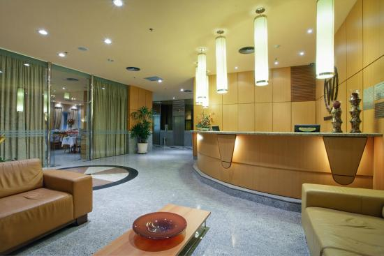 Windsor Astúrias Hotel: Lobby