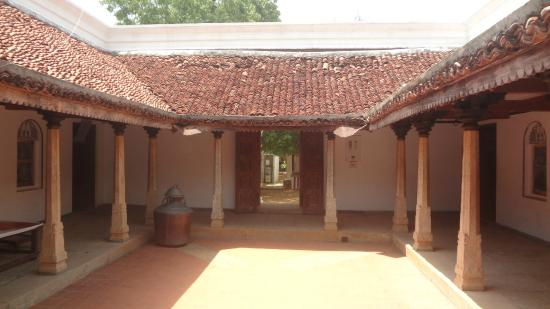 Open area inside Chettinad house - Picture of DakshinaChitra ...