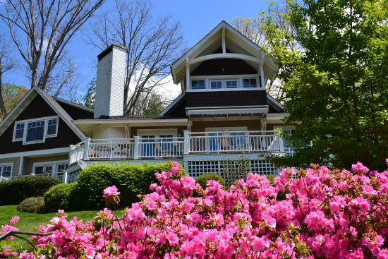 Arbor House of Black Mountain: Arbor House Azaleas in the Spring