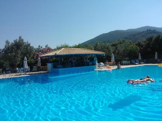 Alkistis Hotel: Pool and pool bar