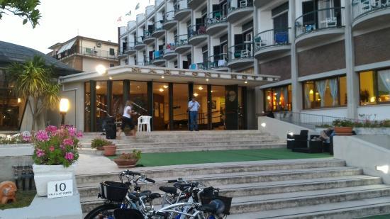 Il mare di Grottammare - Foto di Hotel Marconi, Grottammare ...