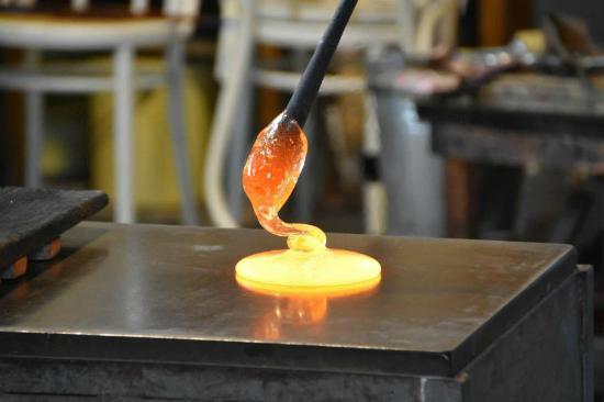 """Guarnieri Glass Factory: parte de las """"básicas del vidrio"""""""